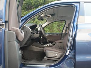 2018款xDrive 25i 豪华套装 前排空间