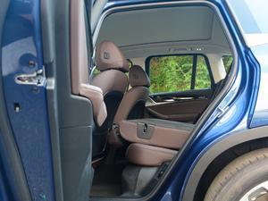 2018款xDrive 25i 豪华套装 后排座椅放倒