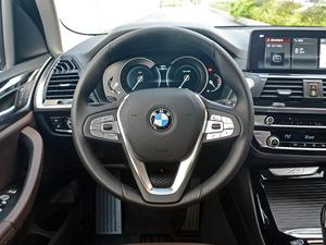 2018款xDrive 25i 豪华套装 方向盘