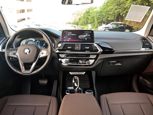 2018款xDrive 25i 豪华套装 全景内饰