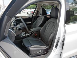 2018款xDrive 25i 豪华套装 前排座椅