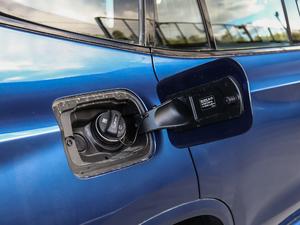 2018款xDrive 28i M运动套装 油箱盖打开