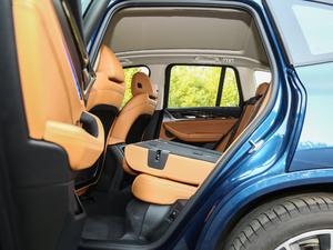 2018款xDrive 30i 尊享型M运动套装 后排座椅放倒
