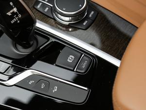 2018款xDrive 30i 尊享型M运动套装 驻车制动器