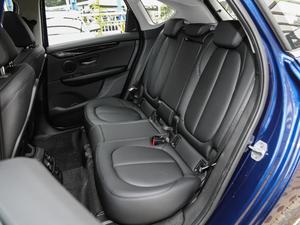 2018款218i 尊享型运动套装 后排座椅