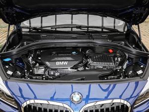 2018款218i 尊享型运动套装 发动机