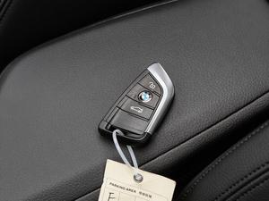2018款218i 尊享型运动套装 钥匙