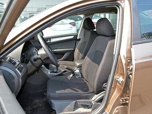 2017款1.6L 手动舒适型 前排座椅