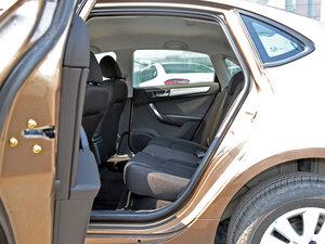 2017款1.6L 手动舒适型 后排空间