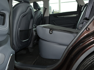 2018款280T 自动尊贵型 5座 后排座椅放倒