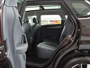2018款280T 自动尊贵型 5座 后排空间