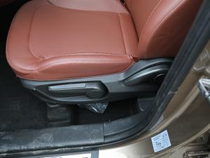 2018款1.5T 手动尊贵型 座椅调节