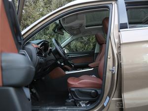 2018款1.5T 手动尊贵型 前排空间