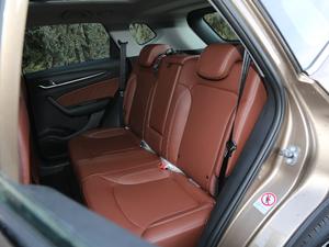 2018款1.5T 手动尊贵型 后排座椅