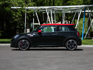 2018款2.0T JOHN COOPER WORKS ALL-IN 纯侧