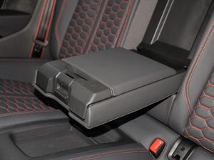 2019款2.9T Coupe 后排中央扶手