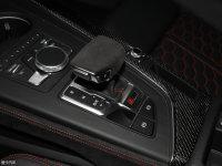 中控区奥迪RS4变速挡杆