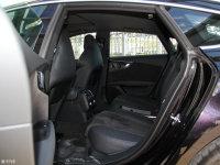 空间座椅奥迪RS7后排空间
