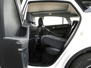 2019款EcoBoost 145 CVT尊领型PLUS 后排座椅放倒