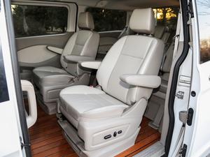 2017款2.0T 自动商务舱版 后排座椅