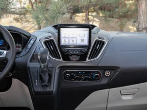 2017款2.0T 自动商务舱版 中控台