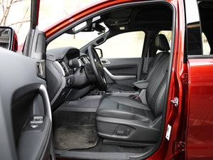 2017款2.0L GTDi四驱汽油豪华版 7座 前排空间