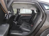 空间座椅沃尔沃S90后排空间