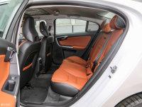 空间座椅沃尔沃S60L后排空间