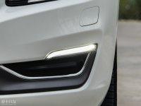 细节外观沃尔沃S60L混动雾灯