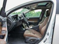 空间座椅沃尔沃S60L混动前排空间