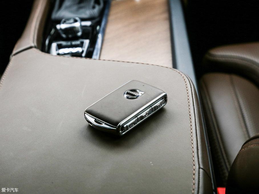 2018款沃尔沃S90T5 智尊版