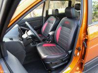 空间座椅启腾V60前排座椅
