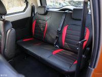 空间座椅启腾V60后排座椅