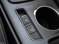 中控区幻速S6驻车制动器