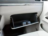 空间座椅威途X35手套箱