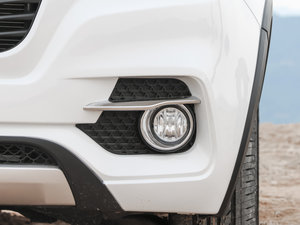 2016款S 1.5L 手动豪华导航版 雾灯