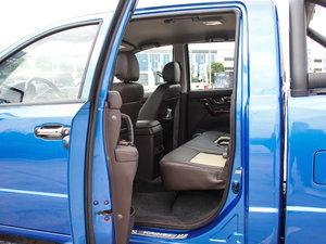 2017款2.0T 手动汽油四驱 旗舰版 后排空间