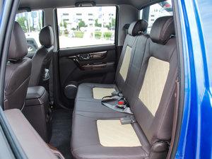 2017款2.0T 手动汽油四驱 旗舰版 后排座椅