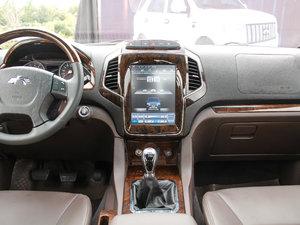 2017款2.0T 手动汽油四驱 旗舰版 中控台