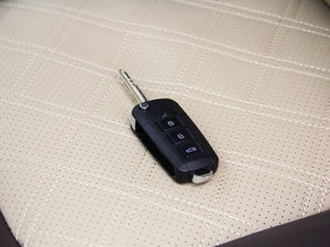 2017款2.0T 手动汽油四驱 旗舰版 钥匙