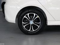 细节外观北汽EV300轮胎