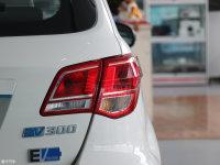 细节外观北汽EV300尾灯
