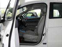 空间座椅北汽EV300前排空间