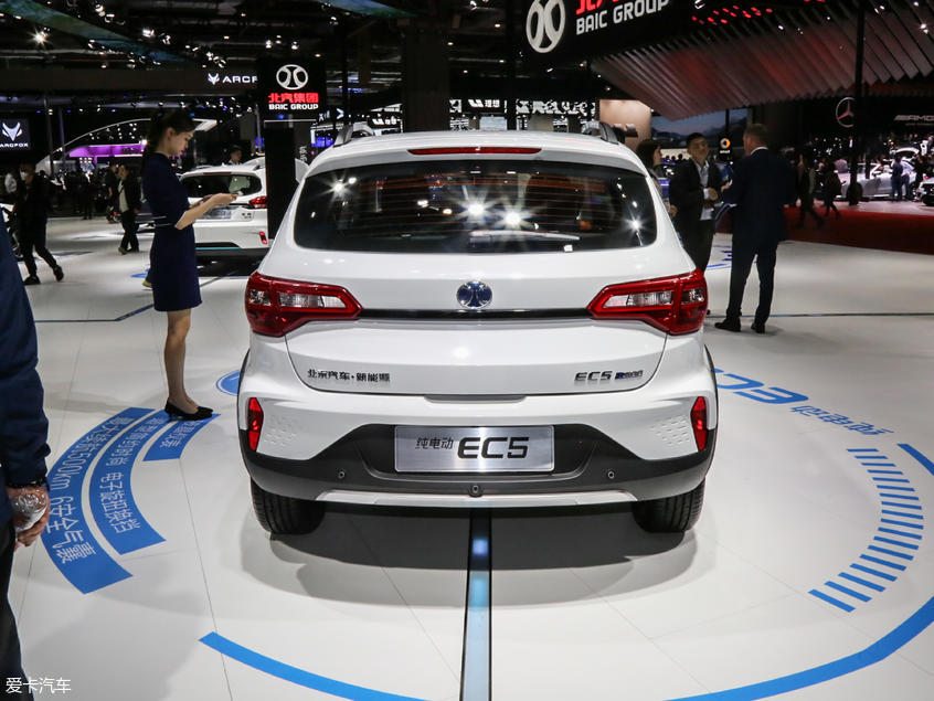 北汽新能源EC5预售价格11万元 推3款车型