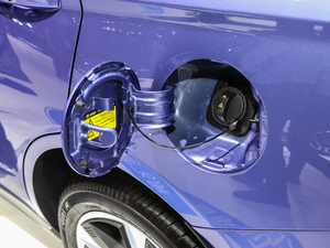 2019款R600 基本型 油箱盖打开