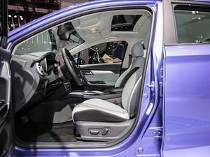 2019款R600 基本型 前排空间