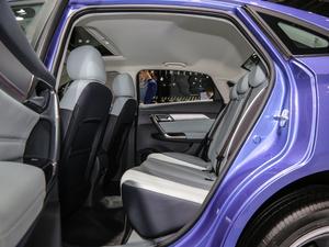 2019款R600 基本型 后排空间
