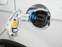 细节外观北汽EX200油箱盖打开