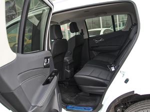 2018款3.0T 四驱 手动劲擎版 5座 后排空间