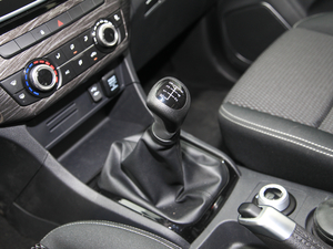 2018款3.0T 四驱 手动劲擎版 5座 变速挡杆